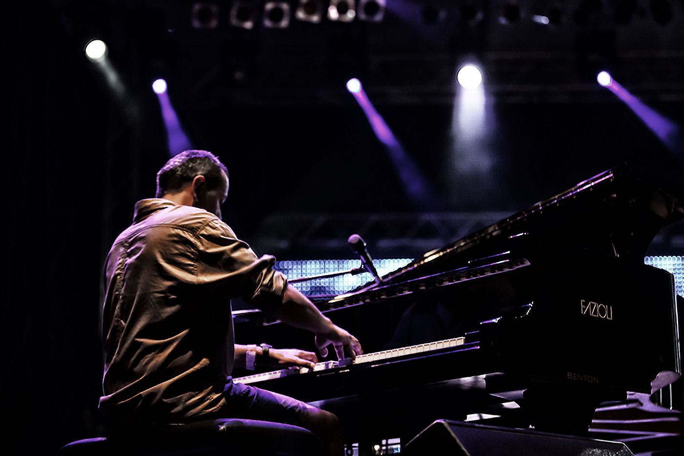 seba_piano