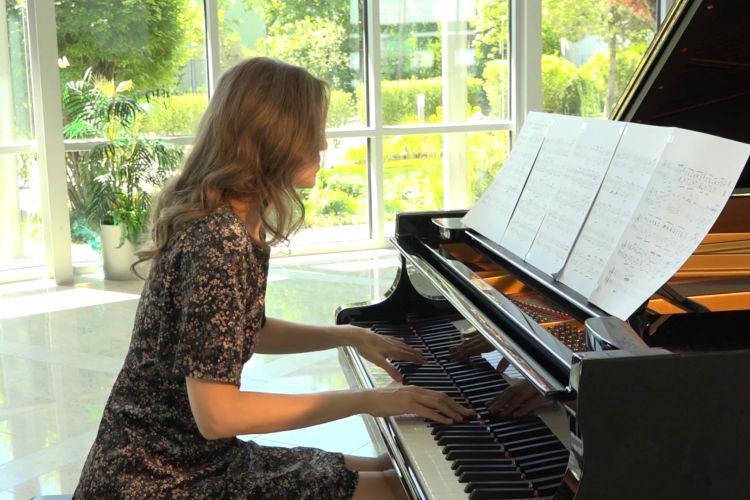 Calm piano - Geoffrey Kirk Caughey - Love Story