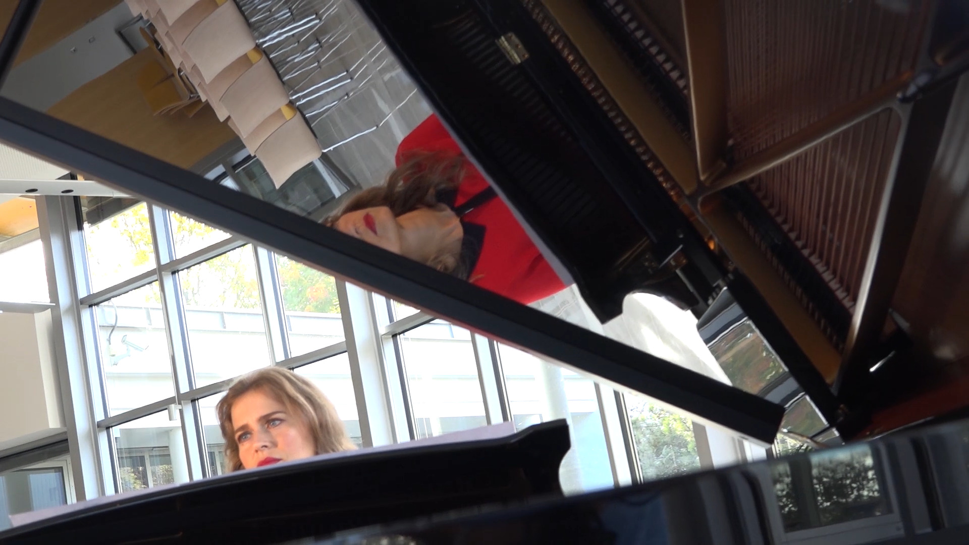 Anna Sutyagina plays post-romantic prelude by Roland Schoelinck.