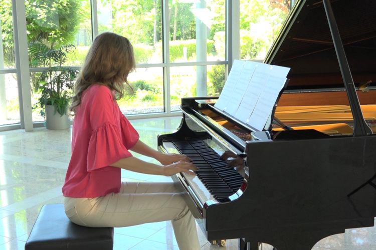 Nostalgic Piano - James Welburn - Riga