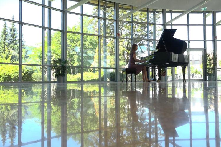 "Liana Alexandra - Prelude ""Welcome Rich"" - New Consonant Music"