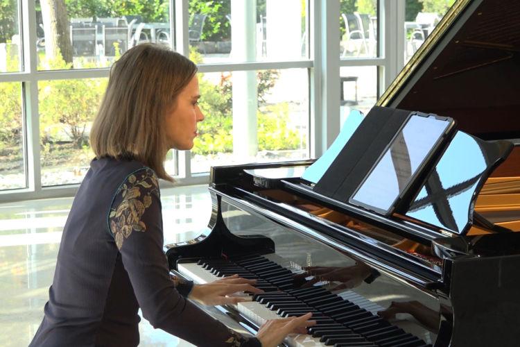 Nostalgic piano - Elijah Bossenbroek - What used to be