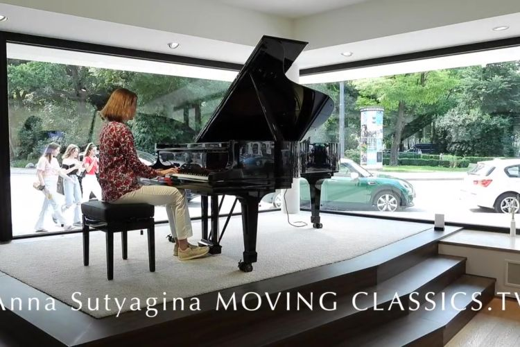 Interview with Anna Sutyagina MOVING CLASSICS TV - Distinctive Me