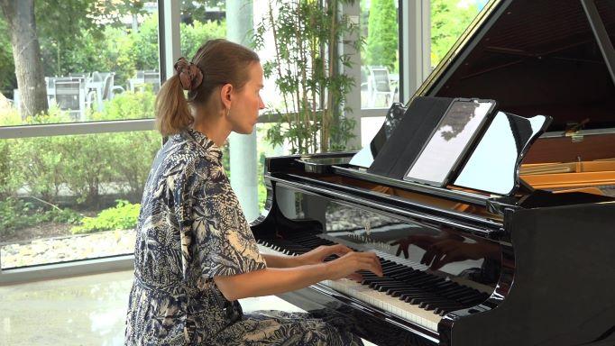 Chris Hill - The Grey Area - Modern Piano Solo